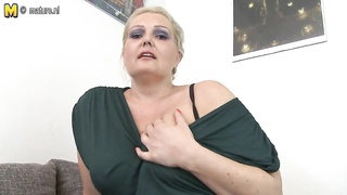 Mature MOM fucked by young boy Thumb
