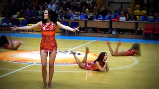 Fascinating Russian Cheerleaders Sexy Dance Thumb