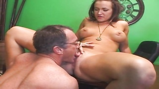 Mommy is getting laid as her daughter watching Thumb