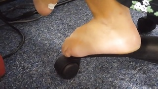 Candid stinky calm soles on work aspect 2 Thumb