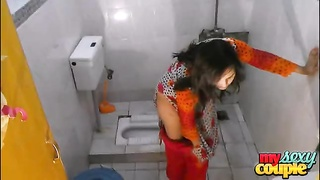 indian home made couple sonia and sunny xxx sex in hit the shower Thumb
