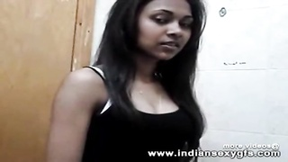 Indian Desi College girl exposed boobs and her busty figure mobile video - indiansexygfs.com Thumb