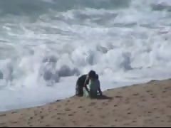 Marocaine couple caught fucking at the beach Thumb