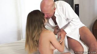 Young Alice Romain fucks a much older man Thumb