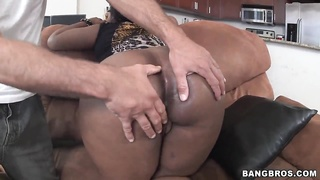 Chocolate hottie Layla Monroe getting nailed Thumb
