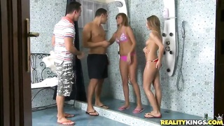Hot foursome shower sex with Bernice,Jessica Lux,Renato and Tony Thumb