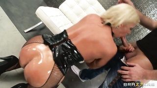 Luxury Alura Jenson lets this chubby shaft in fact deep in! Thumb