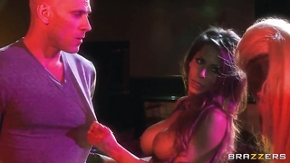 Christy Mack, Johnny Sins and Madison Ivy get drenched Thumb