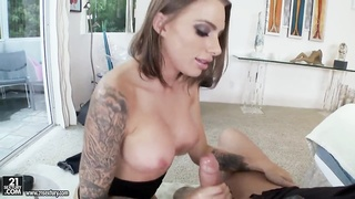 Juelz Ventura loves in passionate hooking up Thumb