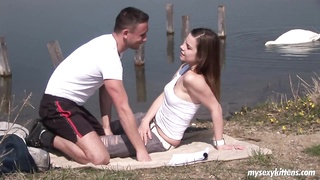 Dark Haired teen will get fastened and orgasmed outdoors Thumb