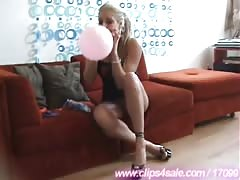 Ballons Playing In Fetish Clothing Thumb