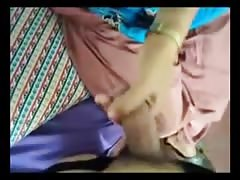 Indian Aunty's hanjob to her BF Thumb