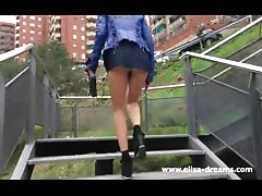 Upskirt and Flashing no panties in Barcelona Thumb
