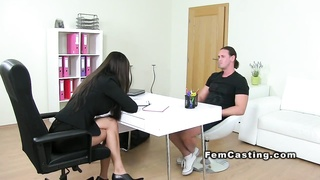 Female agent fucks muscled guy office brunette Thumb