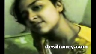 Indian local gf indulge in hard-core sex with bf www.desihoney.com Thumb