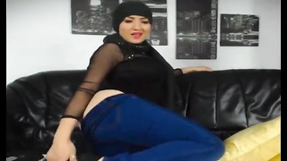 Hot muslim girl stripping n fingering hot round big ass Thumb