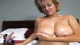 This MOM is making my dick hard WTF Thumb