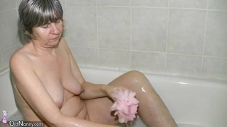 Old granny toys and blowjob compilation Thumb