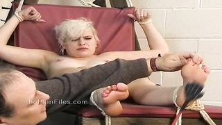 Kinky blondes foot fetish and spanking of crying slave girl Thumb