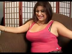 64 Cute chubby babe gives a great footjob - negrofloripa Thumb