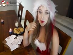 Sexy Remy LaCroix reading naughty letters to Santa xHamsta Thumb