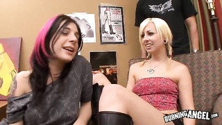 Emo chicks in slutty clothing go wild in savage threesome Thumb