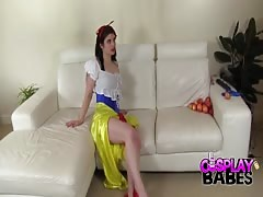 COSPLAY BABES Was Snow White poisoned Thumb