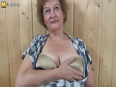 Kinky grandmother hungry for a good fuck Thumb