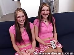 Angelic Simpson Twins are showing off their round asses Thumb