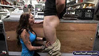 Big tits babe pounded by nasty pawn guy Thumb