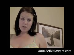 Adorable brunette Annabelle Flowers stretches her muff Thumb