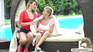 Aida Swinger ride pussy on grannies face Thumb