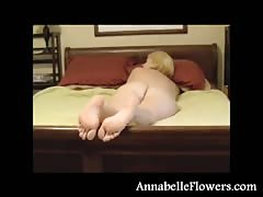 Good-looking soles of a very lustful milf Annabelle Flowers Thumb