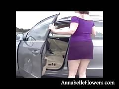 Amateur mommy Annabelle Flowers is looking sex in this purple dress Thumb