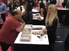 Hot interview and autograph session with Lexi Belle Thumb