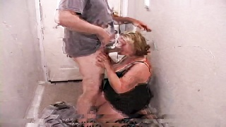 Charming deep face-fuck performed by an cute Overweight Woman prostitute Thumb
