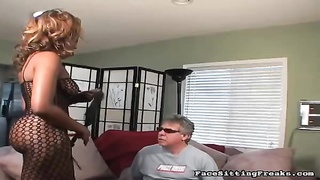 Big-ass black having nice smothering action with mature sex-slave Thumb