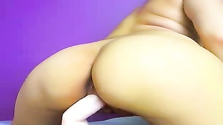 Cute-looking Russian lady rubs and pokes her pussy Thumb
