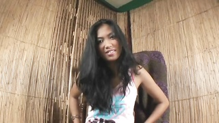 Adept Teen Filipina will get an amazing pink adult toy in her cooche Thumb