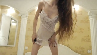 Ultra slender young Russian is getting your hands on nude in precisely the residence Thumb