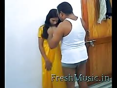 hot indian chick - FreshMusic.in Thumb