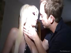 Glamour blonde getting fucked in her tight snatch! Thumb