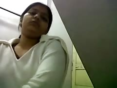 indian girls webcam from www.camgirlsplay.in Thumb
