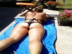 WIFE TEEN THONG BEACH ASS FLASH BLONDE Thumb