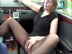 Pissing in the car_480p Thumb