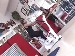 Italia mature fucked in gym (Camaster) Thumb