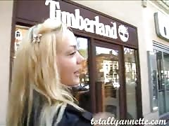 Awesome amateur blonde is eating pizza and giving an interview Thumb