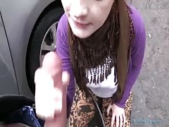 Little brunette is performing an amazing outdoor blowjob Thumb