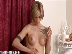 MILF Fucked by Well Hung TS Masseuse Thumb