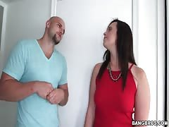 Black-haired mom with fat ass want to swallow his dick Thumb